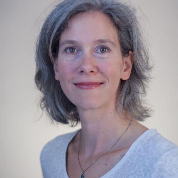 Dr. Nina Bausek